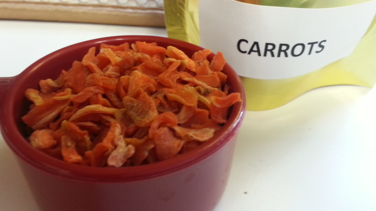 Dehydrated carrots