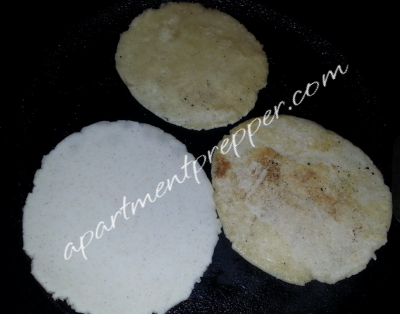 Howtomakecorntortillas_cooking